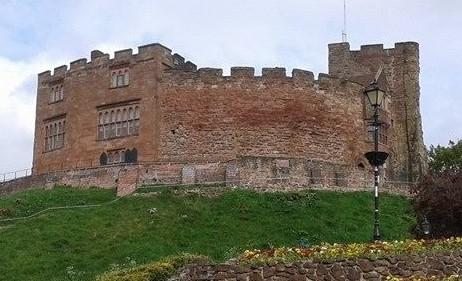 Tamworth Castle v2.jpg